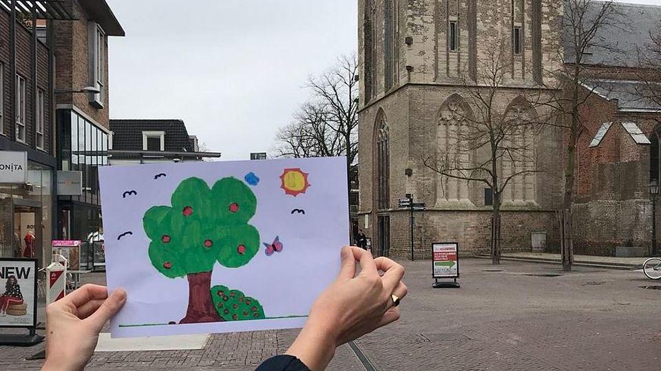 tekeining van de Grotestraat Bomentekenwedstrijd
